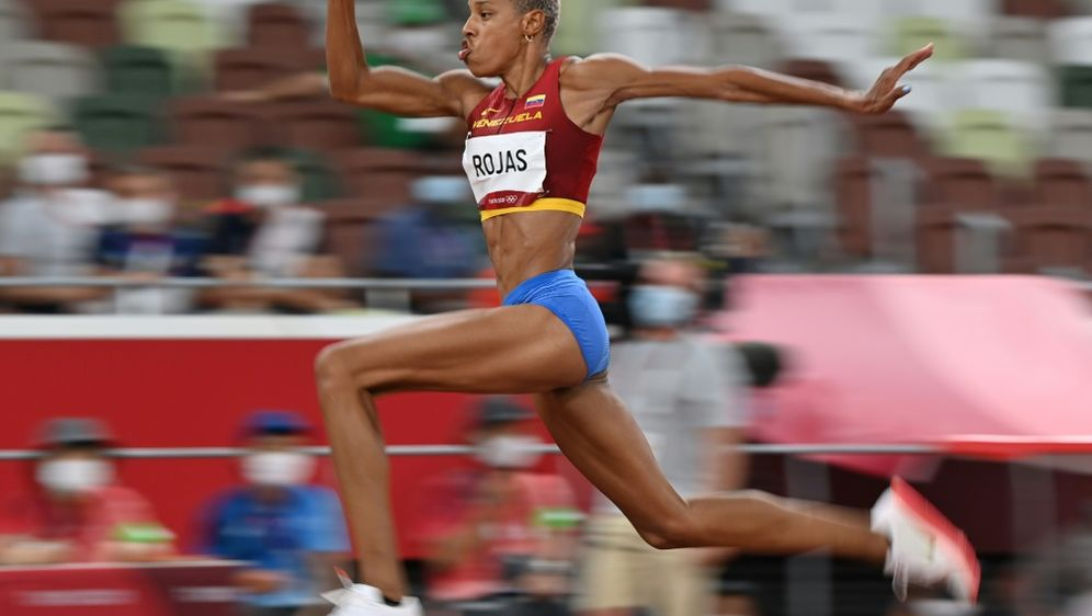 Die Dreispringerin Rojas holt Olympia-Gold für Venezuela - Bildquelle: AFPAFPAndrej ISAKOVIC