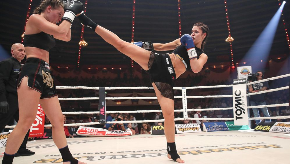 Marie Lang (re.) griff erneut mit Kicks an - Bildquelle: imago sportfoto