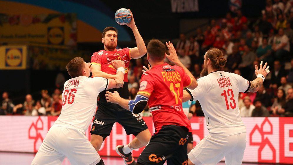 Spanien gewann gegen Tschechien mit 31:25 - Bildquelle: imago