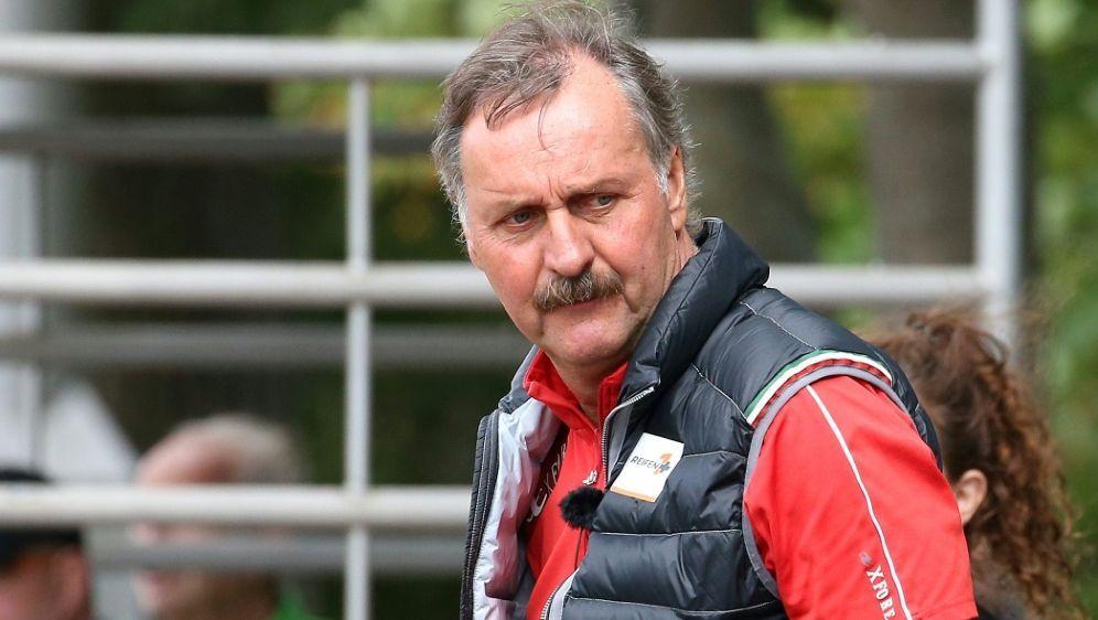 Botschafter der Björn Steiger Stiftung: Peter Neururer - Bildquelle: firo Sportphotofiro SportphotoSIDfiro Sportphoto  Volker Nagraszus