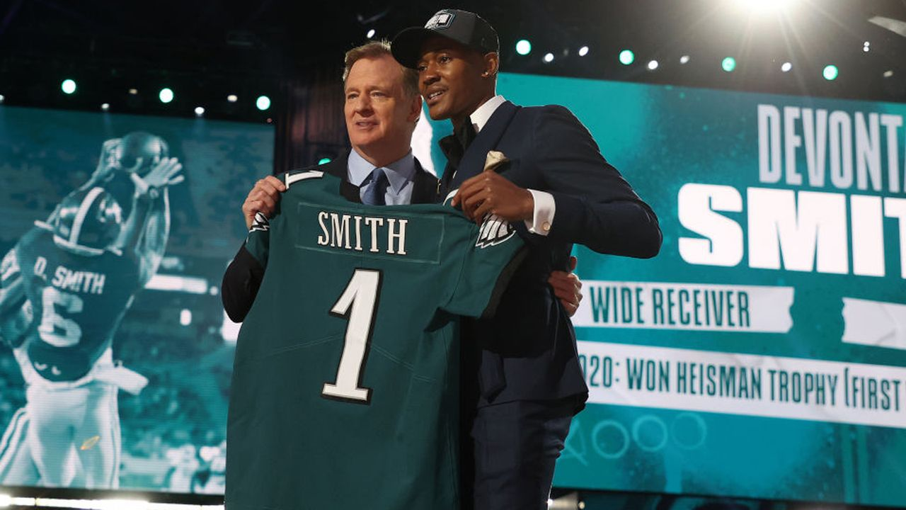 Philadelphia Eagles - DeVonta Smith (Pick 10) - Bildquelle: 2021 Getty Images