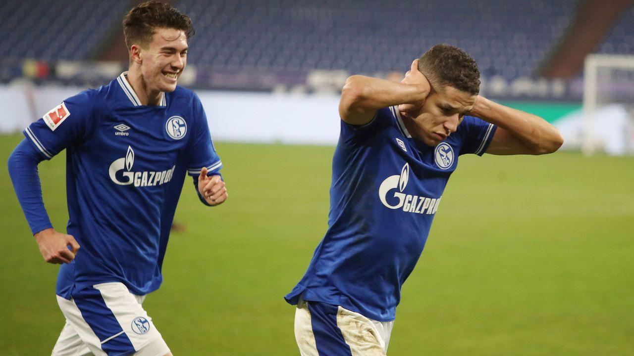 Amine Harit und Matthew Hoppe (FC Schalke 04) - Bildquelle: Getty Images