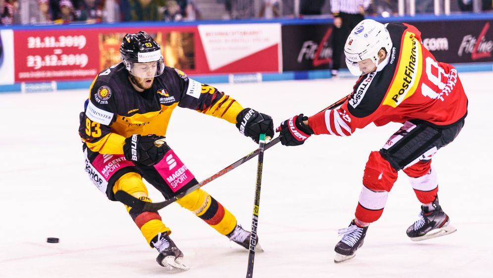Die deutsche Auswahl unterliegt der Schweiz mit 3:4 - Bildquelle: imago