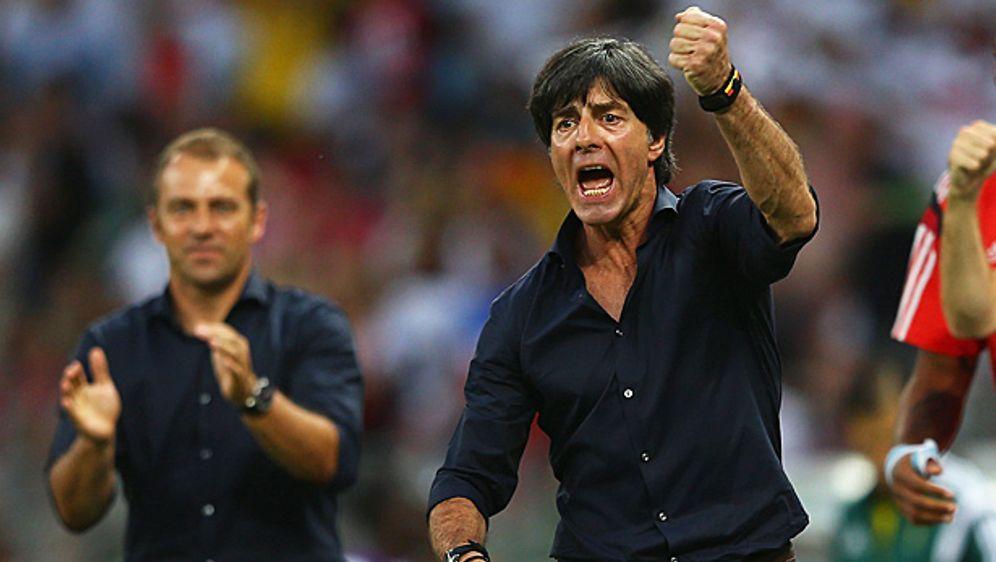 Bundestrainer Joachim Löw lobt die Moral seiner Mannschaft - Bildquelle: Getty