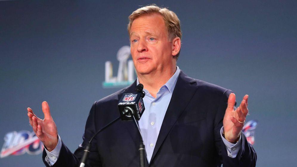 Kann sich wohl auf erhöhte TV-Einnahmen freuen: NFL-Commissioner Roger Goode... - Bildquelle: imago