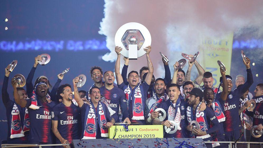 Paris St. Germain feiert den Meistertitel in der Ligue 1 - Bildquelle: Imago