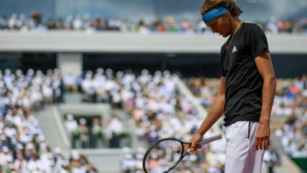Zverev verlor im Viertelfinale gegen Djokovic - Bildquelle: AFPSIDCHRISTOPHE ARCHAMBAULT