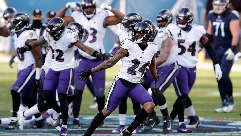 Die Ravens bejubeln den Sieg bei den Titans. - Bildquelle: 2021 Getty Images