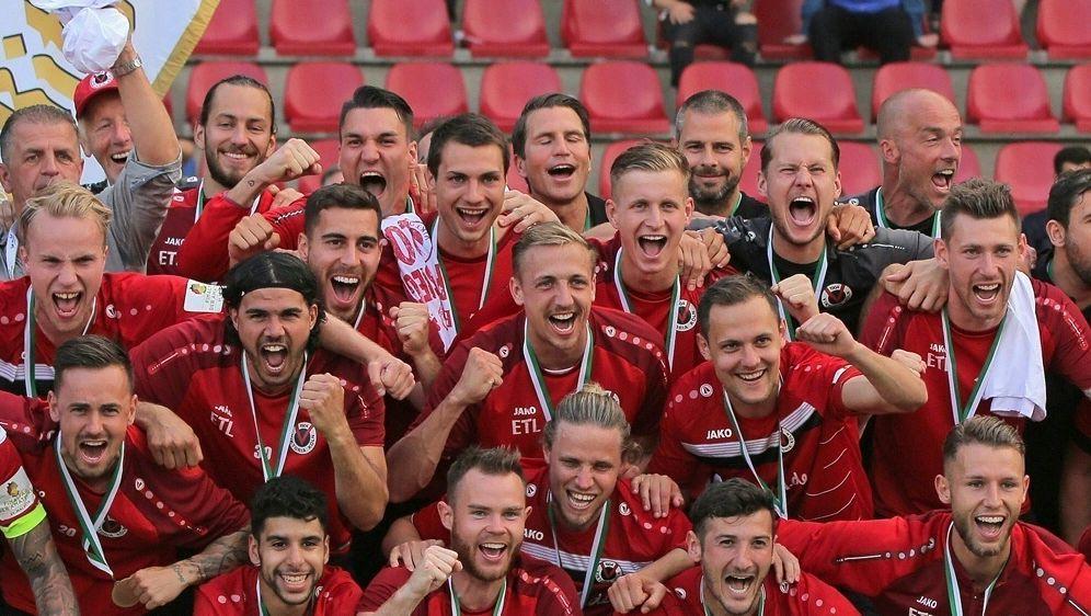 Viktoria Köln macht Aufstieg in dritte Liga perfekt - Bildquelle: PIXATHLONPIXATHLONSID