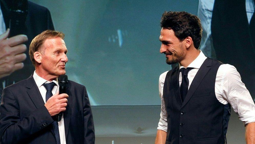 Watzke (l.) glaubt an Hummels-Rückkehr ins DFB-Team - Bildquelle: FIROFIROSID