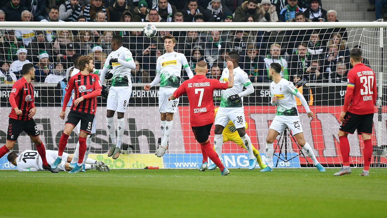 Freiburgs Jonathan Schmid ist der Freistoß-König der Bundesliga - Bildquelle: imago images/Eibner