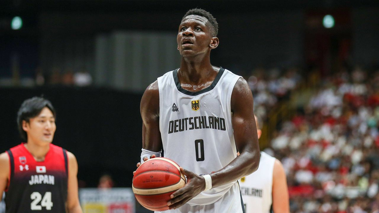 Isaac Bonga (Washington Wizards) - Bildquelle: imago images / kolbert-press
