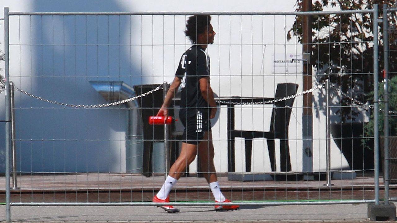 FC Bayern - Bildquelle: imago images/Lackovic