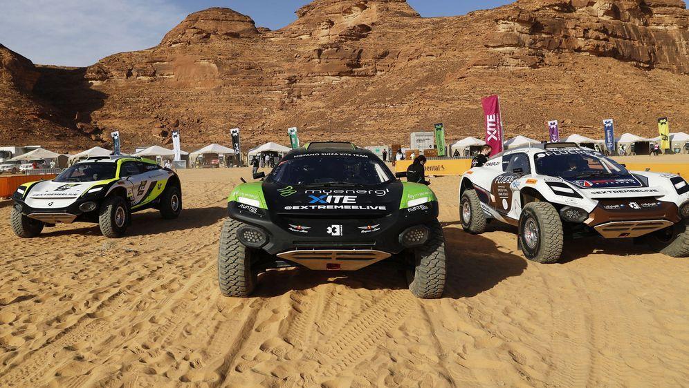 Angetrieben vom Elektro-Motor durch die Wüste rasen: Die Rennserie Extreme E... - Bildquelle: imago images