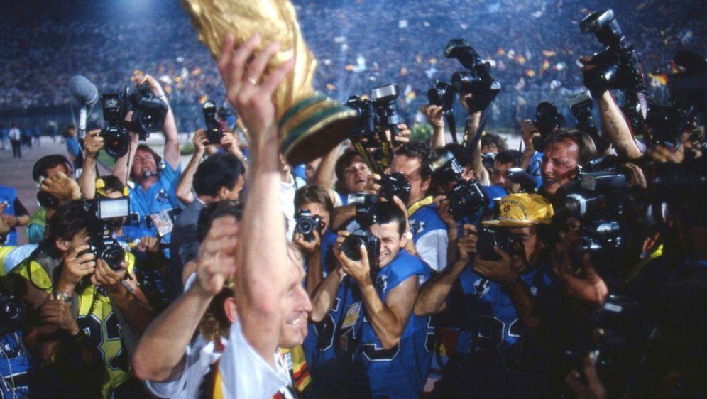 30. Geburtstag: Der WM-Triumph von 1990 - Bildquelle: FIROFIROSID