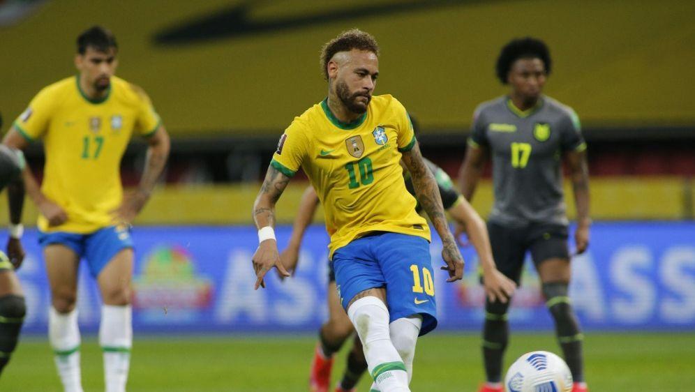 Superstar Neymar trifft vom Punkt - Bildquelle: AFPSIDSILVIO AVILA