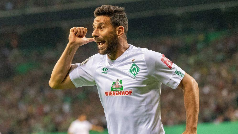 Claudio Pizarro trifft gegen Delmenhorst doppelt - Bildquelle: imago