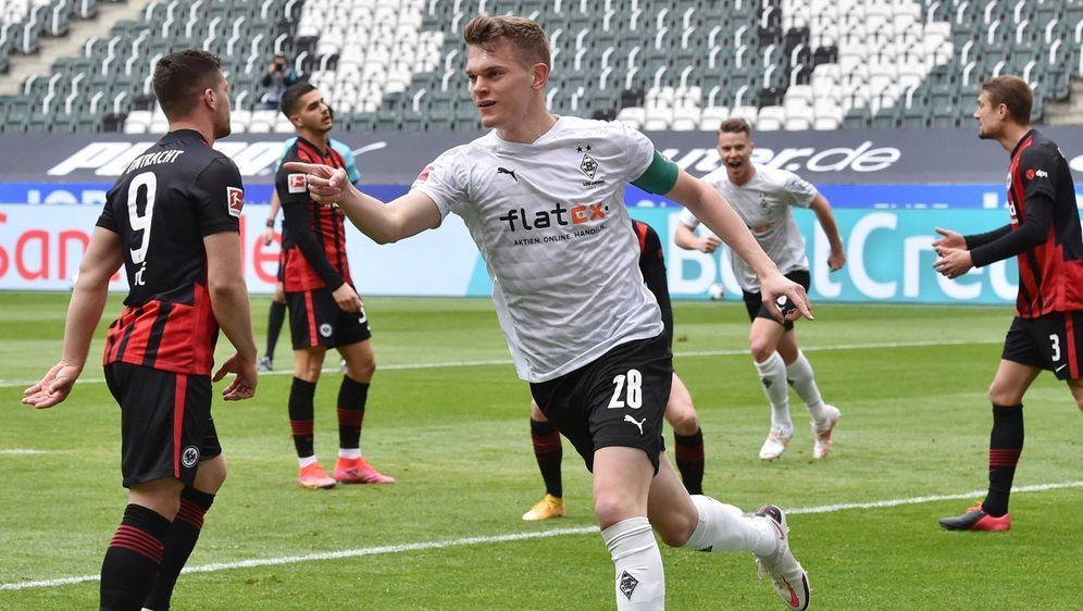 Borussia Mönchengladbach besiegt Eintracht Frankfurt 4:0 - Bildquelle: imago