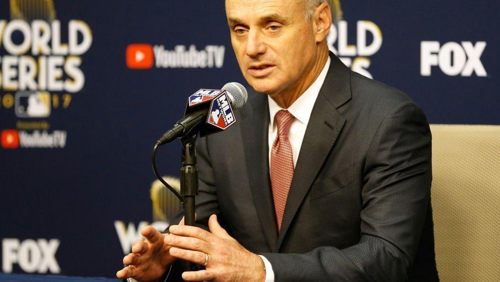 MLB-Boss Robert Manfred - Bildquelle: AFPGETTY IMAGES NORTH AMERICASIDBob Levey
