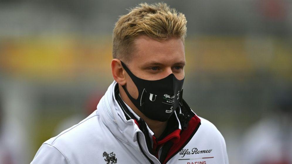 Schumacher wird als Kandidat bei Haas gehandelt - Bildquelle: AFPSIDINA FASSBENDER
