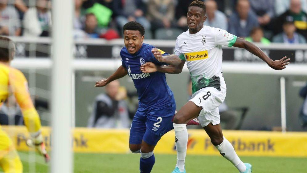 Gladbach und Schalke trennten sich mit 0:0 - Bildquelle: FIROFIROSID