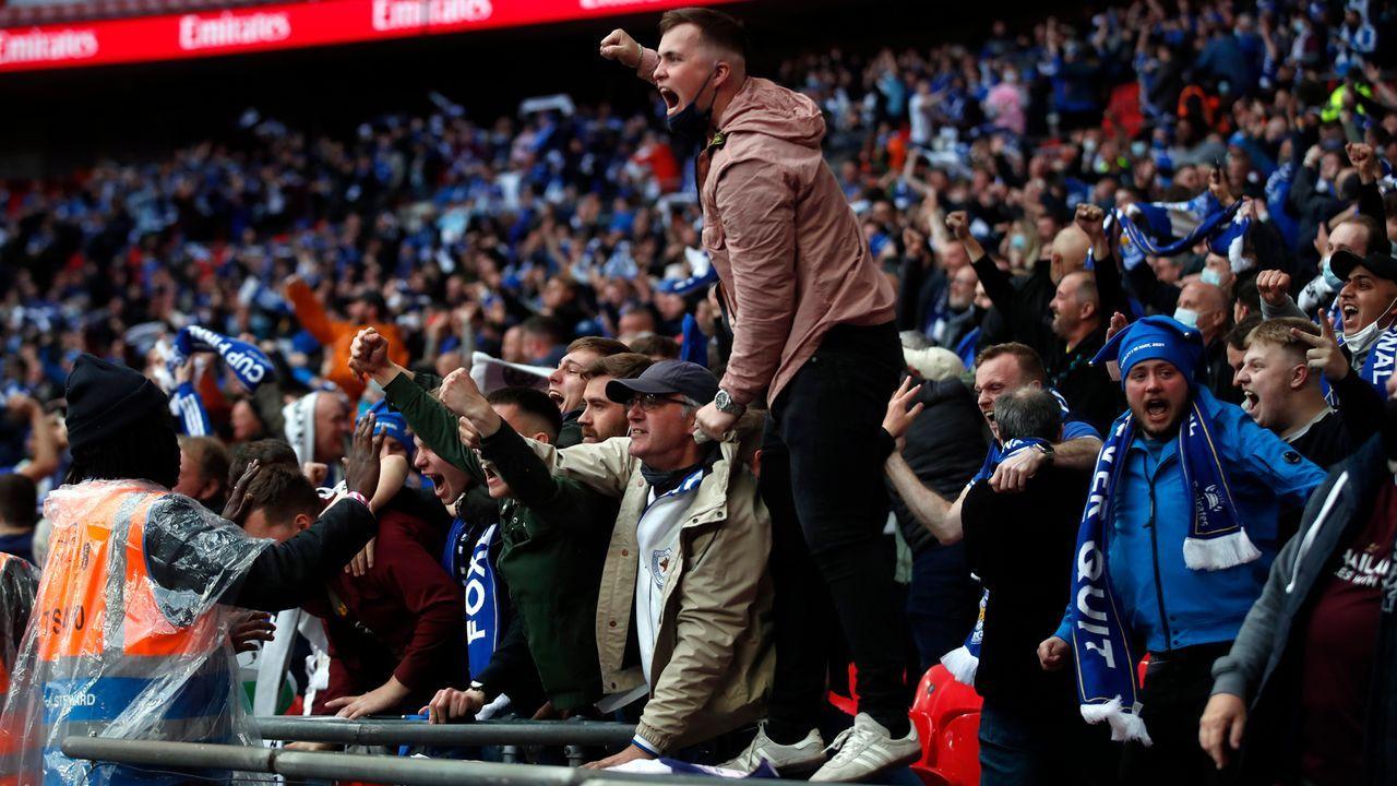 Leicester-Fans feiern den Siegtreffer - Bildquelle: 2021 Getty Images