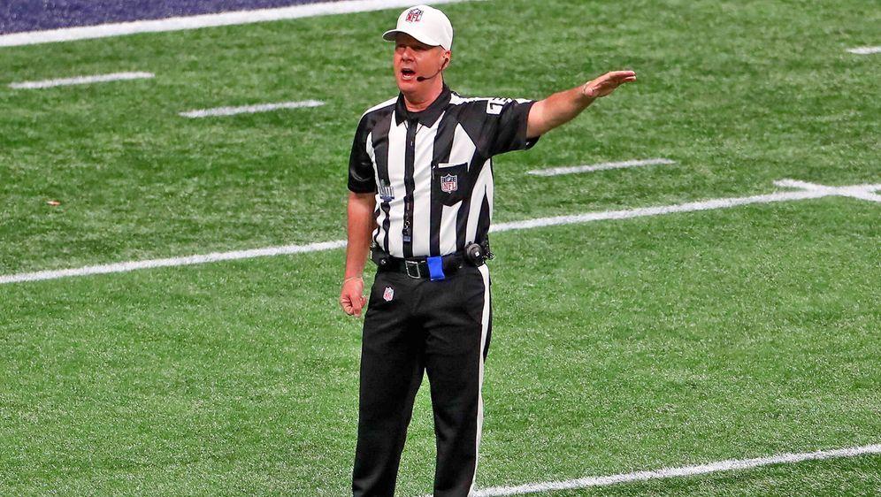 NFL-Schiedsrichter John Parry tritt nach 19 Jahren zurück. - Bildquelle: imago