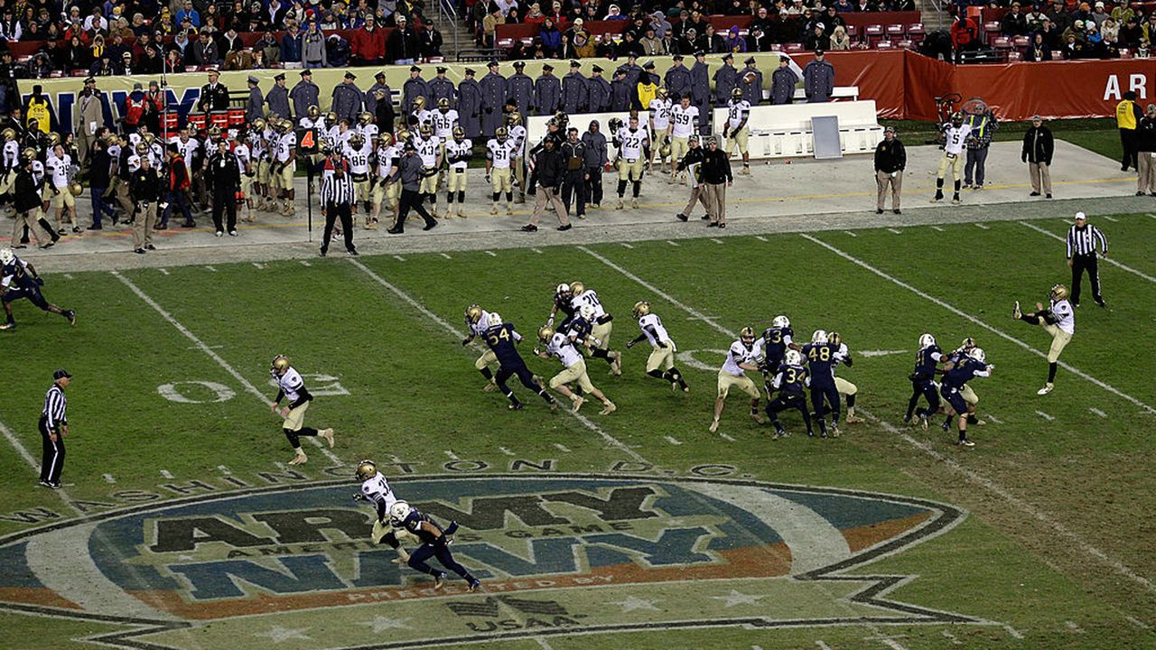 Army Black Knights - Navy Midshipmen - Bildquelle: 2011 Getty Images
