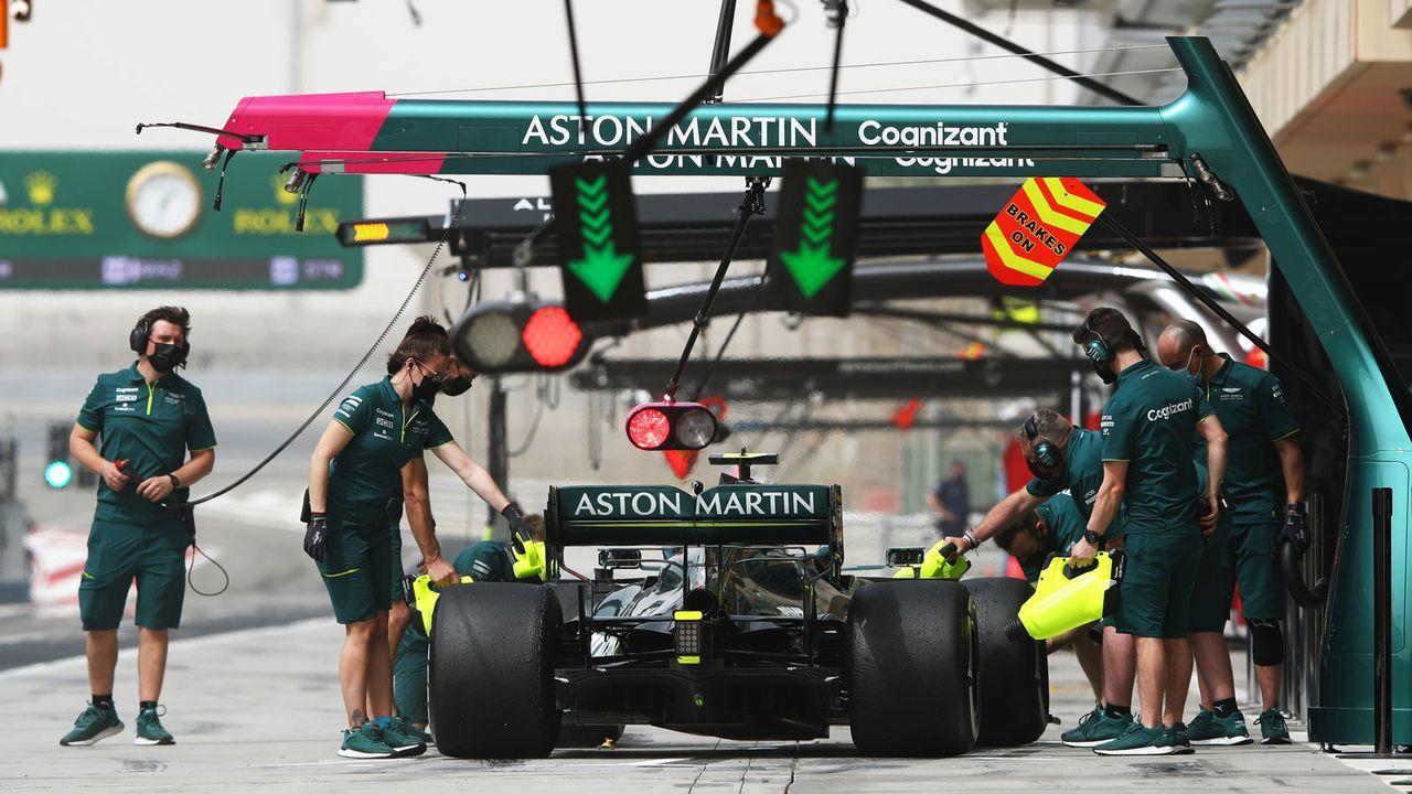Bahrain-Tests: Vettel findet den Weg zu seiner Crew - Bildquelle: Getty Images