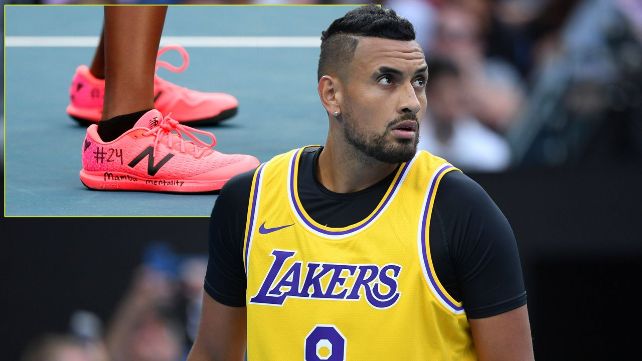 Nick Kyrgios macht sich im Lakers-Trikot warm - Bildquelle: imago images/PanoramiC /GETTY