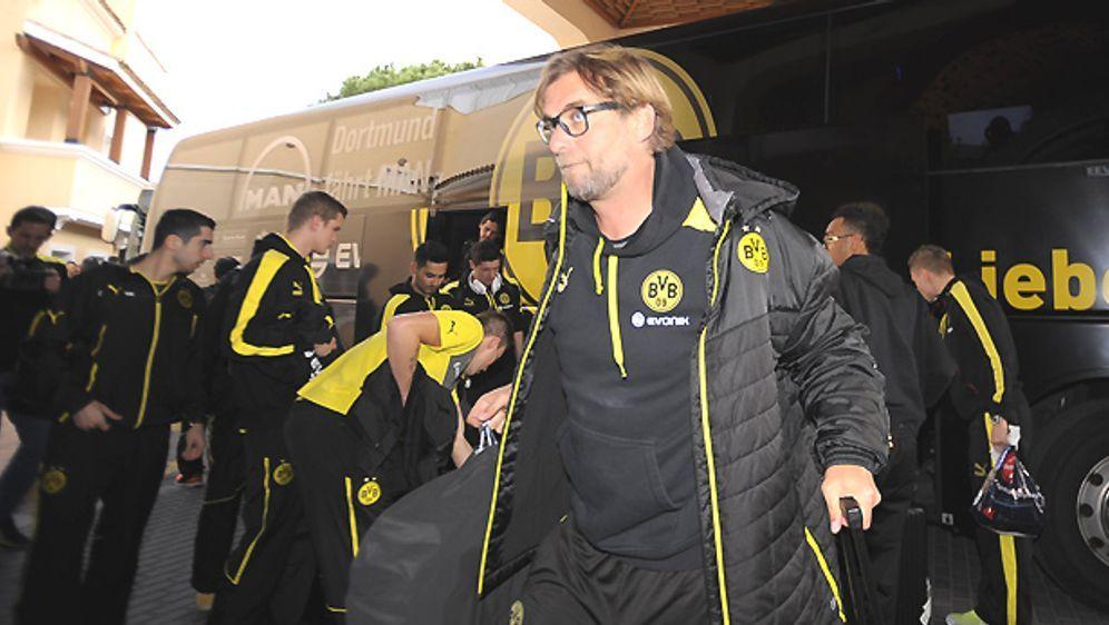 Auf BVB-Trainer Jürgen Klopp und sein Team wartet im Trainingslager viel Arb... - Bildquelle: Imago
