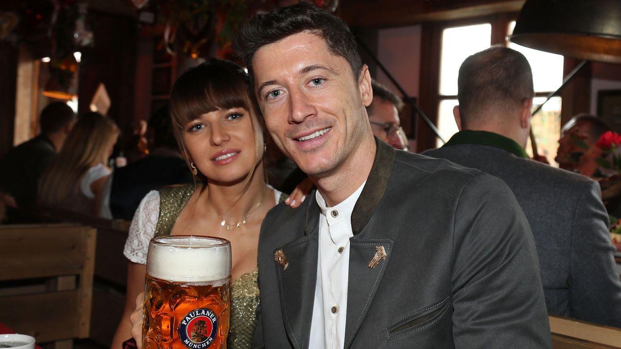 Die Bayern-Stars auf dem Oktoberfest 2019 - Bildquelle: imago images/Jan Huebner