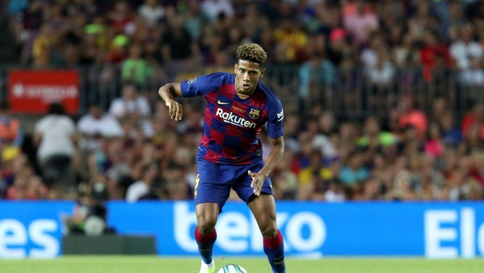 Todibo kommt von Barcelona leihweise zu Schalke - Bildquelle: PIXATHLONPIXATHLONSID