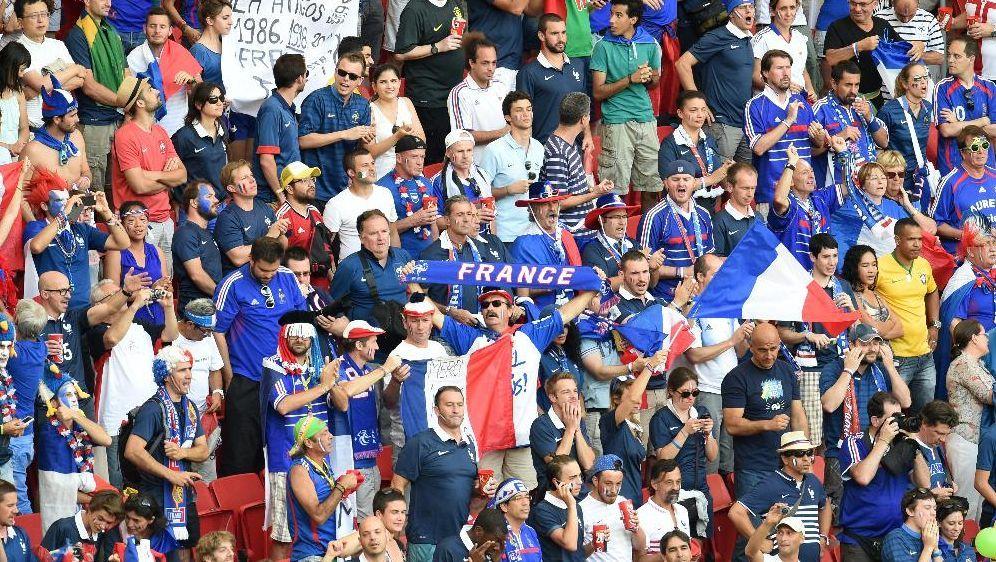 Frankreichs Presse feiert die Équipe Tricolore - Bildquelle: SID-SID-AFP
