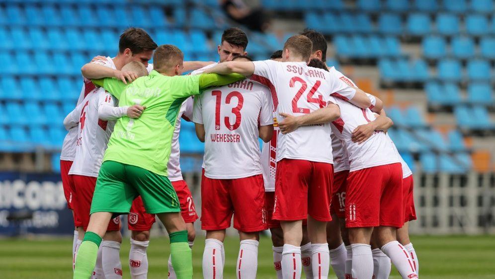 Jahn Regensburg mit sechs Punkten aus zwei Spielen - Bildquelle: FIROFIROSID