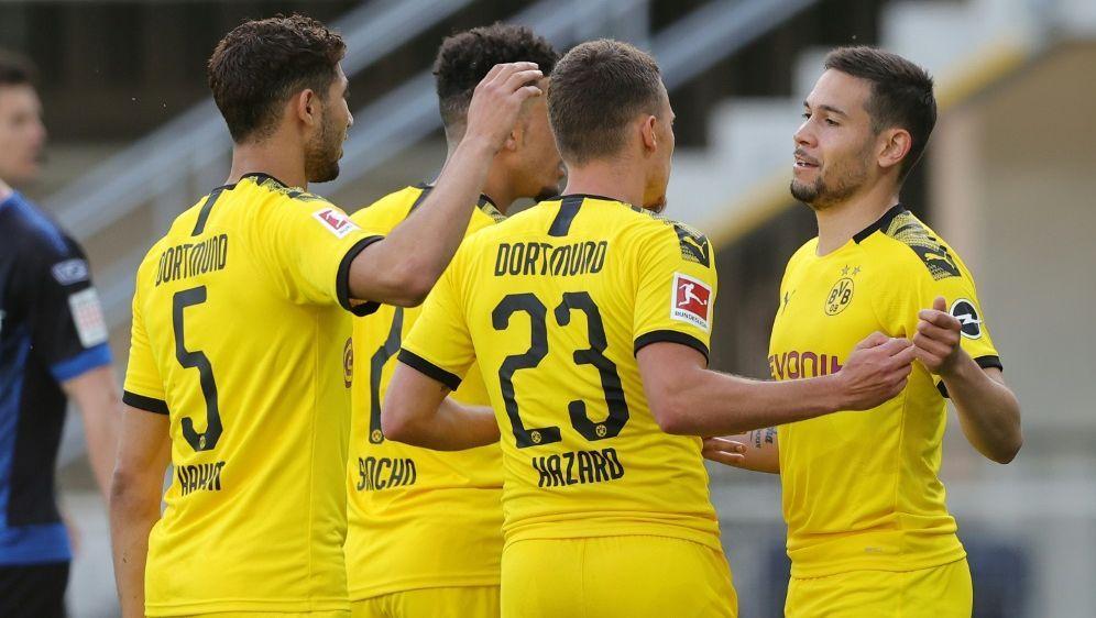 Borussia Dortmund gewinnt verdient in Paderborn - Bildquelle: FIROFIROSID
