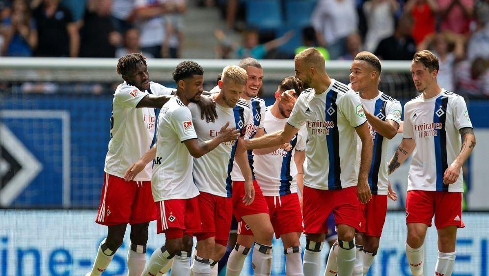 Der Hamburger SV gewann gegen Nürnberg souverän mit 4:1 - Bildquelle: PIXATHLONPIXATHLONSID