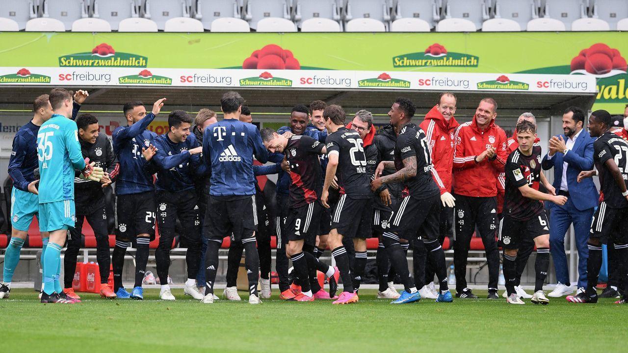 So feiert Bayern-Star Robert Lewandowski seine 40-Tore-Marke - Bildquelle: imago images/ULMER Pressebildagentur