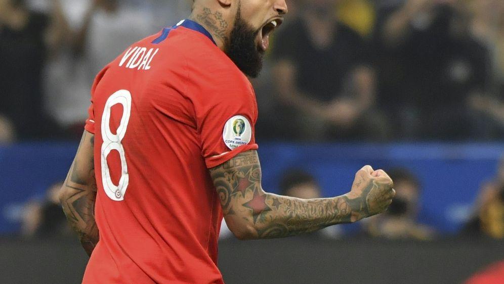 Arturo Vidal steht mit Chile im Halbfinale - Bildquelle: AFPSIDNELSON ALMEIDA