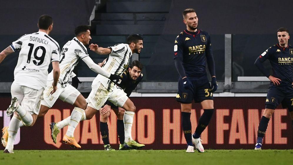 Hamza Rafia (3.v.l.) schiesst Juventus Turin zum Sieg - Bildquelle: AFPSIDMARCO BERTORELLO