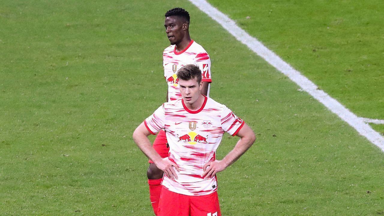 RB Leipzig: Neues Heimtrikot mit unglücklichem Debüt - Bildquelle: Imago Images