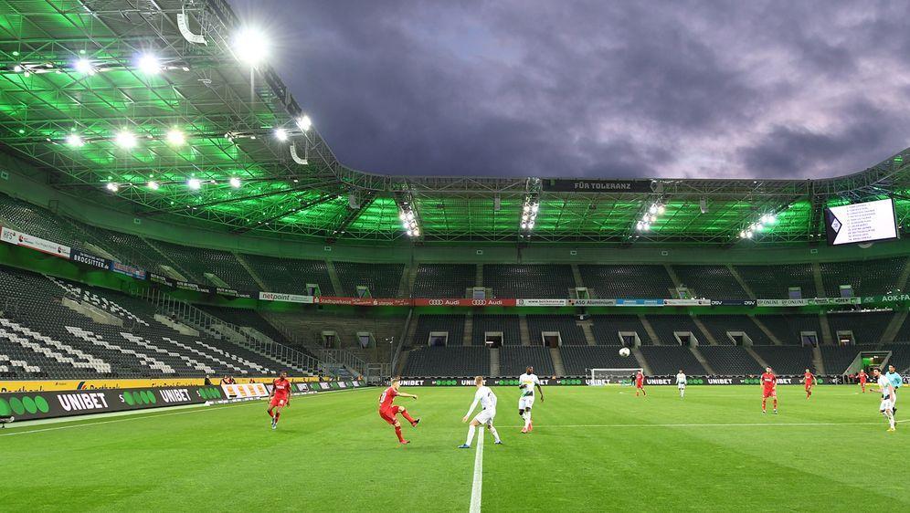 Fußball ohne Zuschauer - das Konzept der DFL zur Wiederaufnahme derBundesli... - Bildquelle: getty