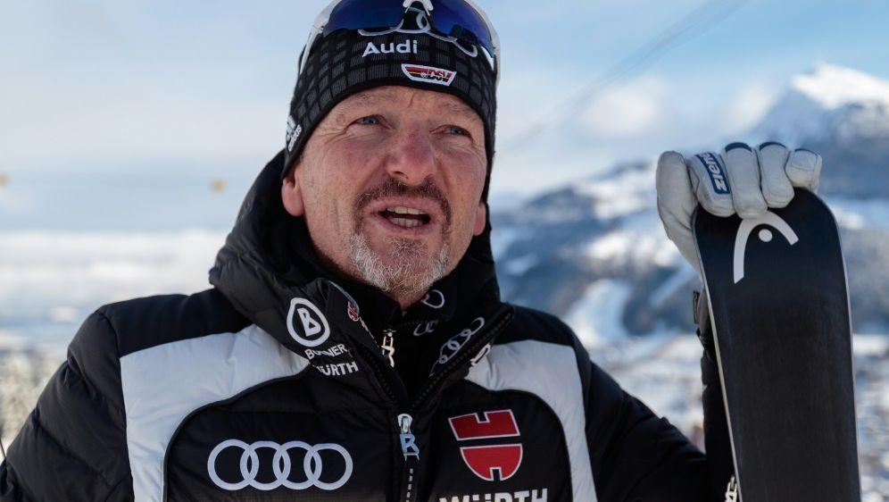 Laut Coach Berthold setzt Neureuther seine Karriere fort - Bildquelle: AFPSIDJOHANN GRODER