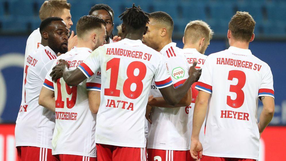 Der Hamburger SV startet mit vier Siegen in vier Spielen. - Bildquelle: imago images/Picture Point
