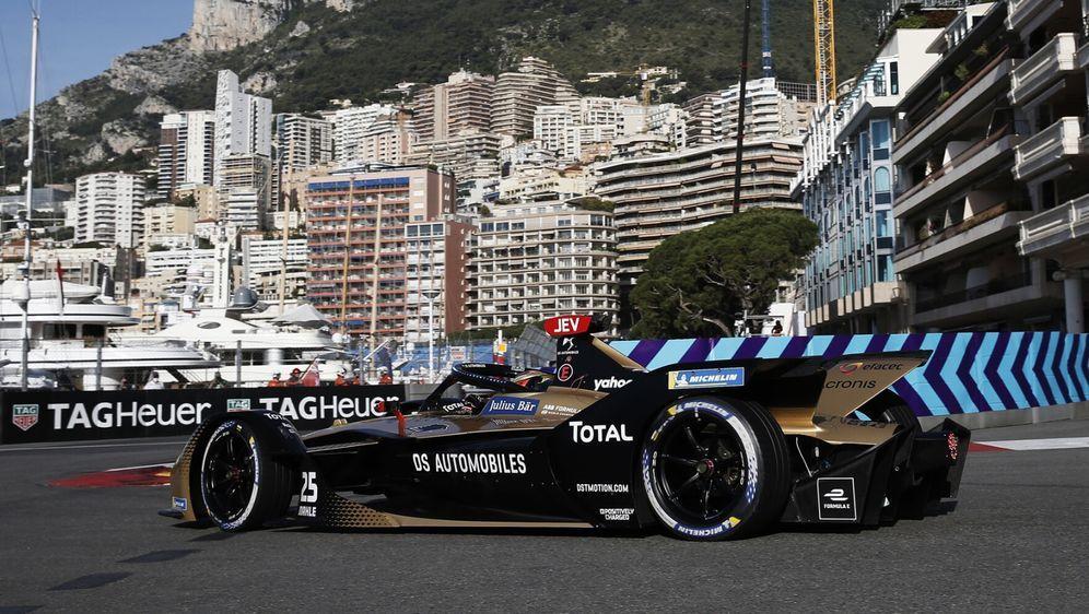 Auch in der Hafenschikane wurde die Streckenführung verändert. - Bildquelle: Motorsport Images