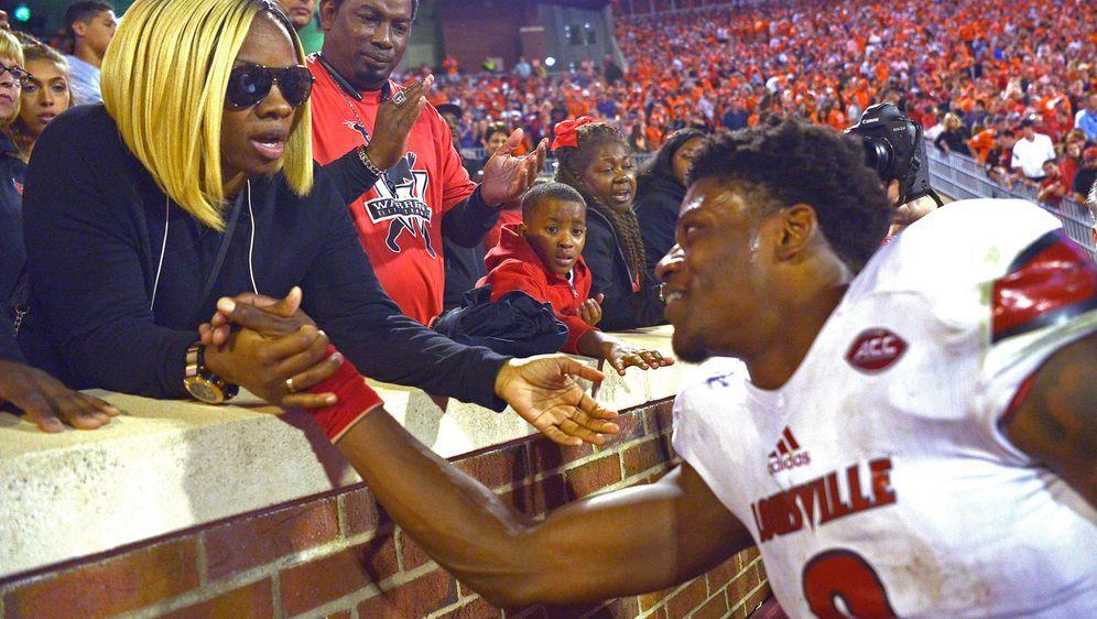 Lamar Jackson wird in den Vertragsverhandlungen von seiner Mutter vertreten. - Bildquelle: Getty
