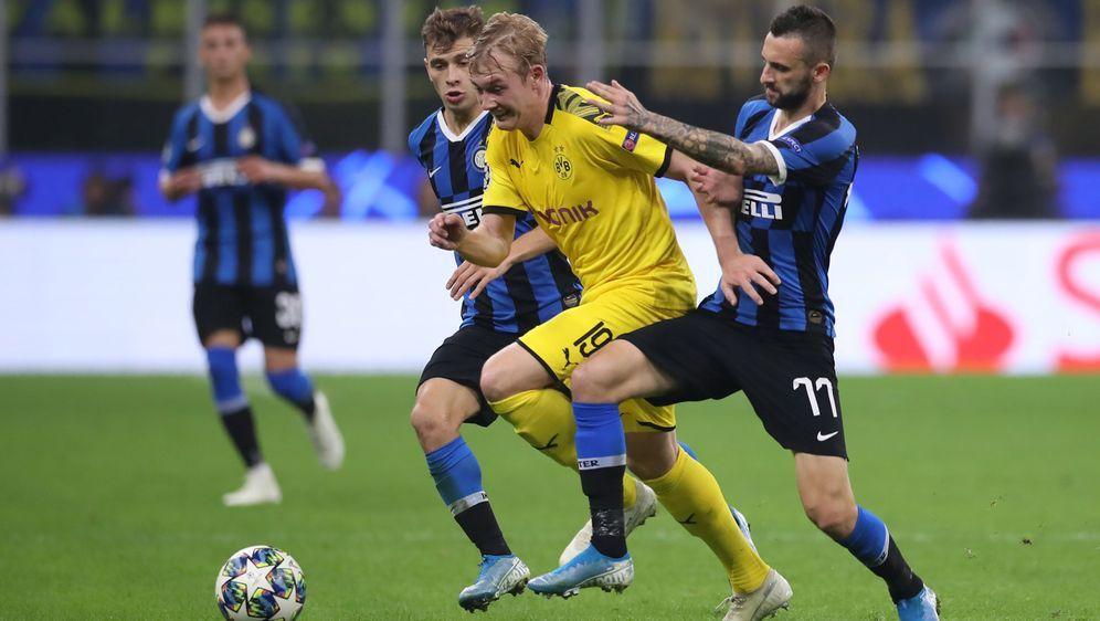Borussia Dortmund verliert nach ideenlosen Auftritt mit 0:2 bei Inter Mailan... - Bildquelle: imago