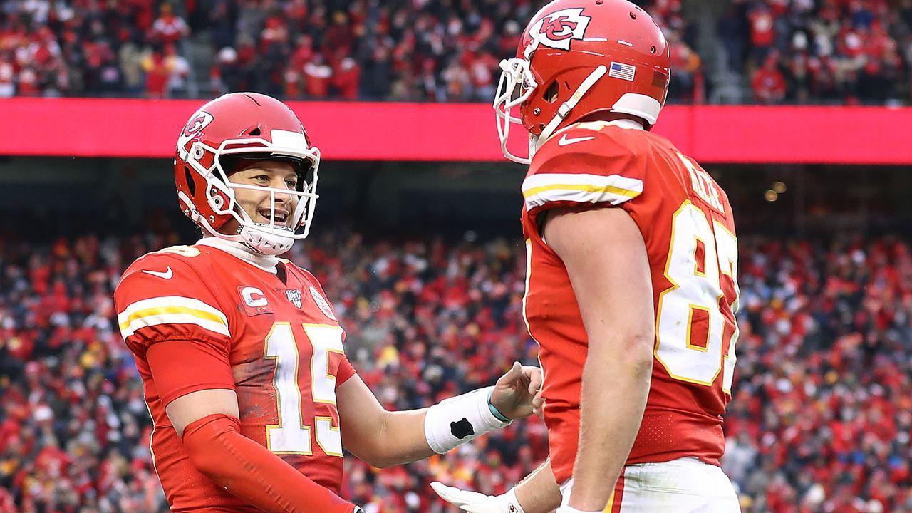 Patrick Mahomes und Travis Kelce (Kansas City Chiefs) - Bildquelle: 2020 Getty Images