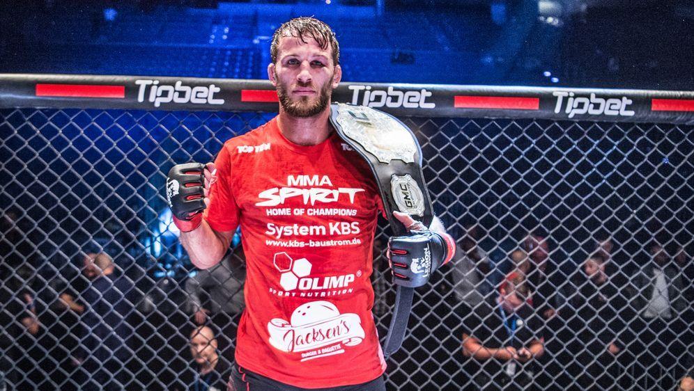 Stephan Pütz ist weiterhin der GMC-Champion im Halbschwergewicht - Bildquelle: GMC/Foto Seven Sport