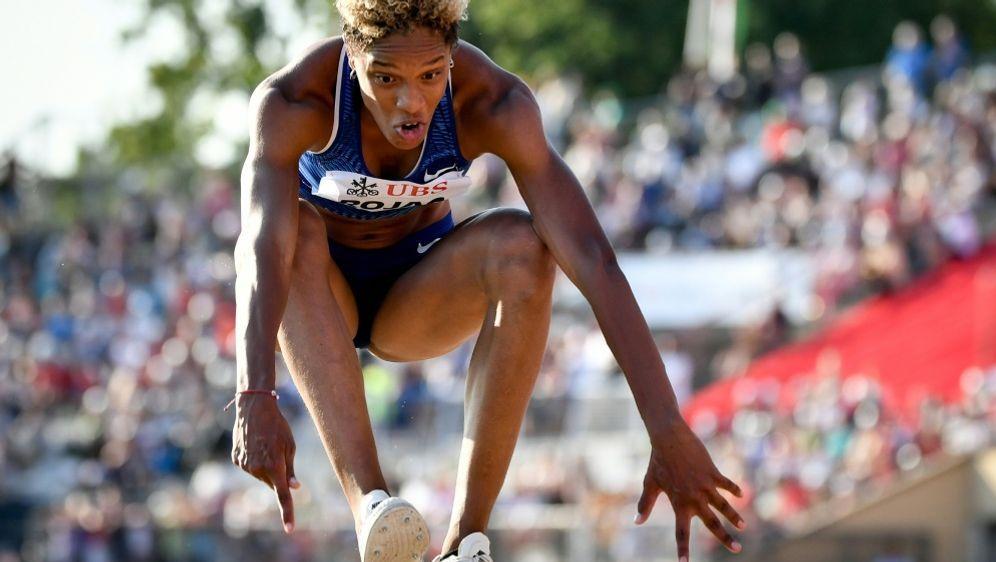 Weltrekord knapp verpasst: Dreispringerin Yulimar Rojas - Bildquelle: AFPSIDFABRICE COFFRINI